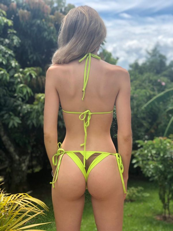 bademode-neue-kollektion-sommer-2021 brazilian triangle bikini grün und braun fashion misbela brazilian bikini shop bademode micro bikini damen swimwear lybethras hinten